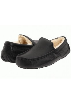 UGG Ascot Leather Black