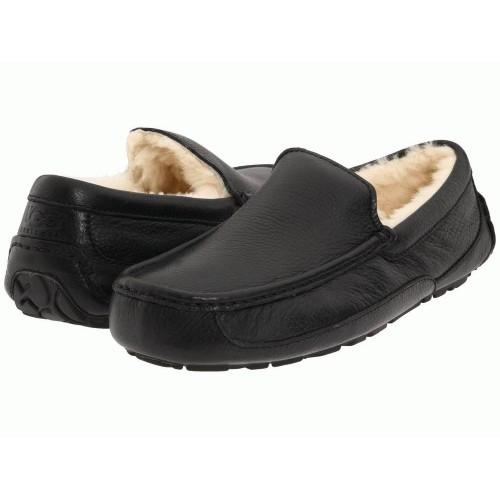 UGG Ascot Leather Black